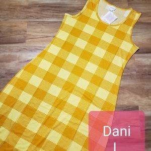 Lularoe Dani maxi dress in yellow plaid size M